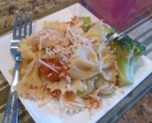 parmesan, chicken, salad, pasta