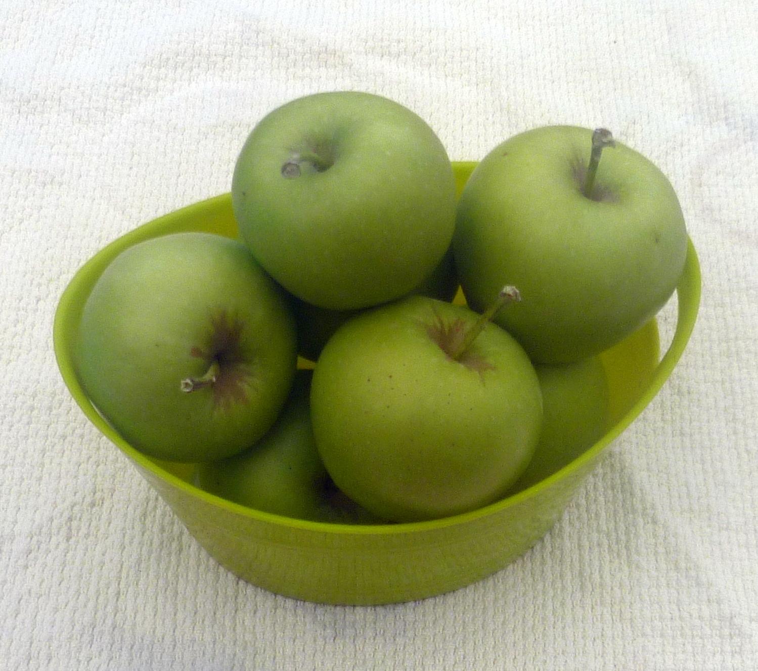 green apple bowl