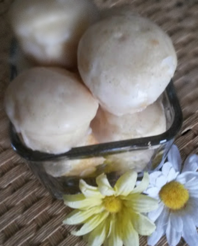 vanilla bean baked donuts with vanilla bean glaze