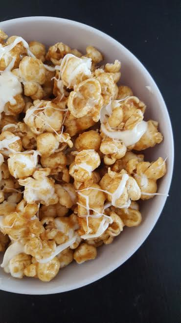 apple cider caramel popcorn