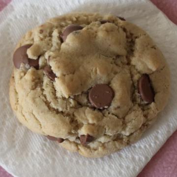 crumbl cookie